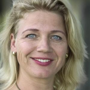Nina Hofstra